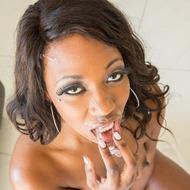 Ebony Beauty Skyler Nicole Sucking A Cock-09
