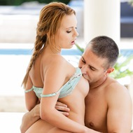 Emily Thorne Fucking With Toby In The Garden-08