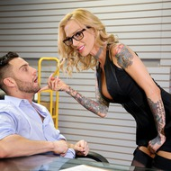 Sarah Jessie Gets Fucked By Her Boss-00