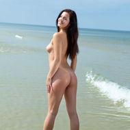 Naked Natural Teen Posing At The Beach-02