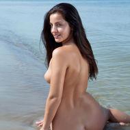 Naked Natural Teen Posing At The Beach-04