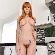 Busty Redhead Lauren-01