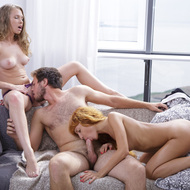 Threesome Teen Sex Action Pics-02