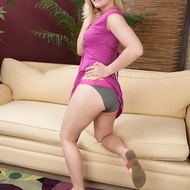 Busty blonde gets naked-02