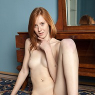 Linda Sweet Rubbing Her Pussy-04
