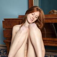 Linda Sweet Rubbing Her Pussy-08