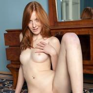 Linda Sweet Rubbing Her Pussy-11