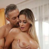 Busty Babe Vittoria Dolce Takes A Nasty Ride-02
