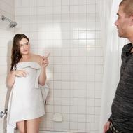 Jodi Taylor Gets Fucked In The Bathroom-01