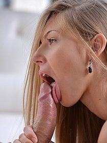 Teen Hottie Gets Fucked In These Porn Pics