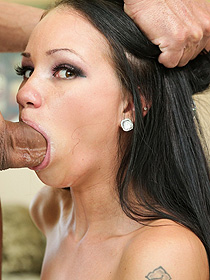 Hard Deepthroat Action