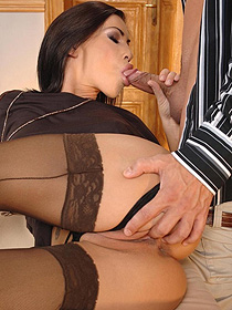 Lara Fucking In Stockings