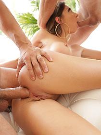 Julie Loves Threesome Sex