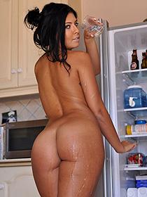 Cara's Wet Body