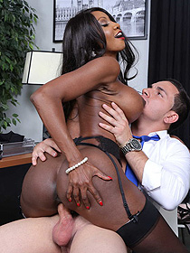 Diamond Jackson Gets Fucked In The Office