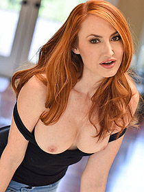 Sexy Redhead Kendra