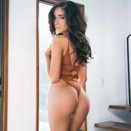 Naomi Woods-05
